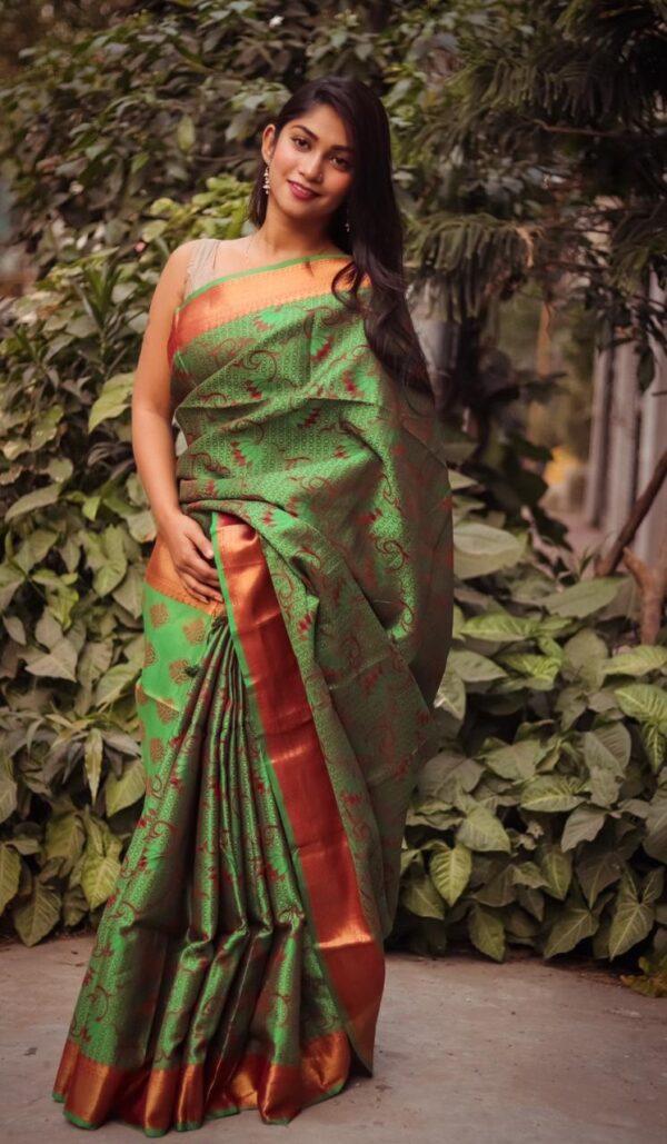Super Green Soft Silk With Heavy Golden Jari Border Weaving Rich Pallu Saree