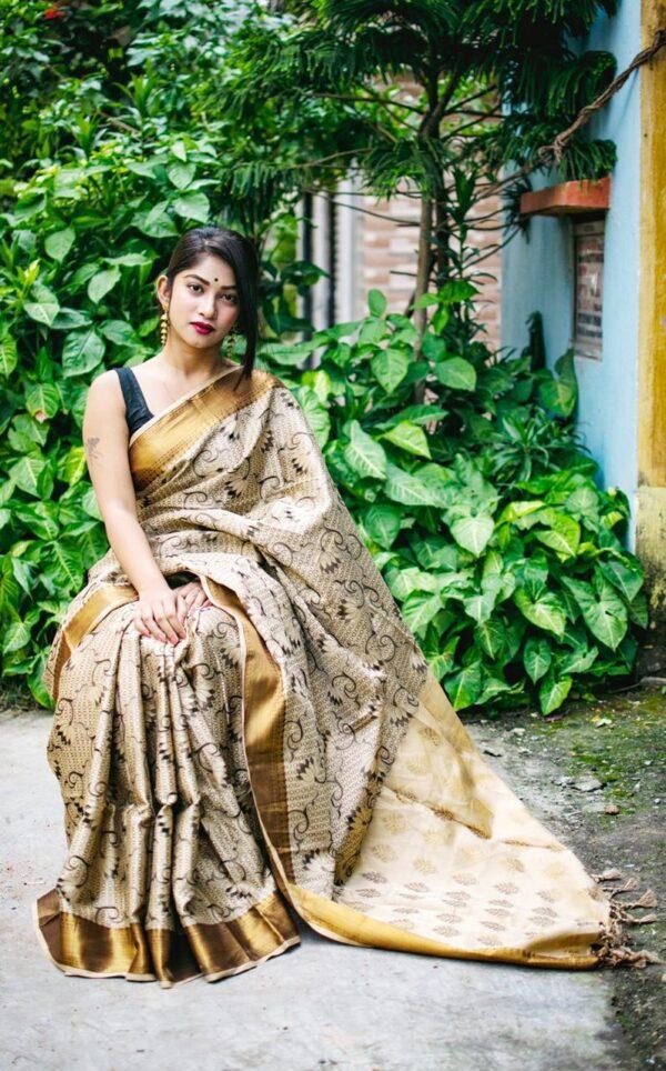 Fantastic Golden Silk With Heavy Golden Jari Border Weaving Rich Pallu Saree