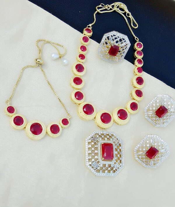 Exquisite Pink Diamond Colored jewellery necklace set online