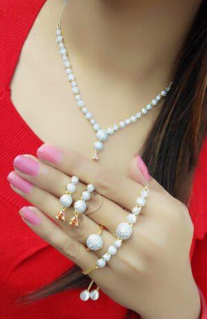 Bootylicious Plain Diamond Colored jewellery necklace set online
