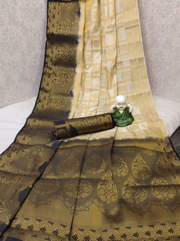 Outstanding Cream Colored Silk With Rich Pallu designer saree online