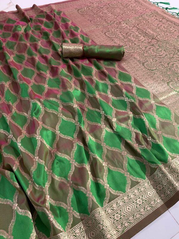 Phenomenal Green Colored Silk With Rich Pallu designer fancy saree online