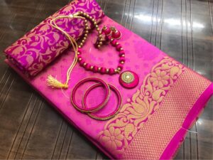 Exquisite Rani Colored Tusser Silk Saree With Earings Necklace Bangles Set