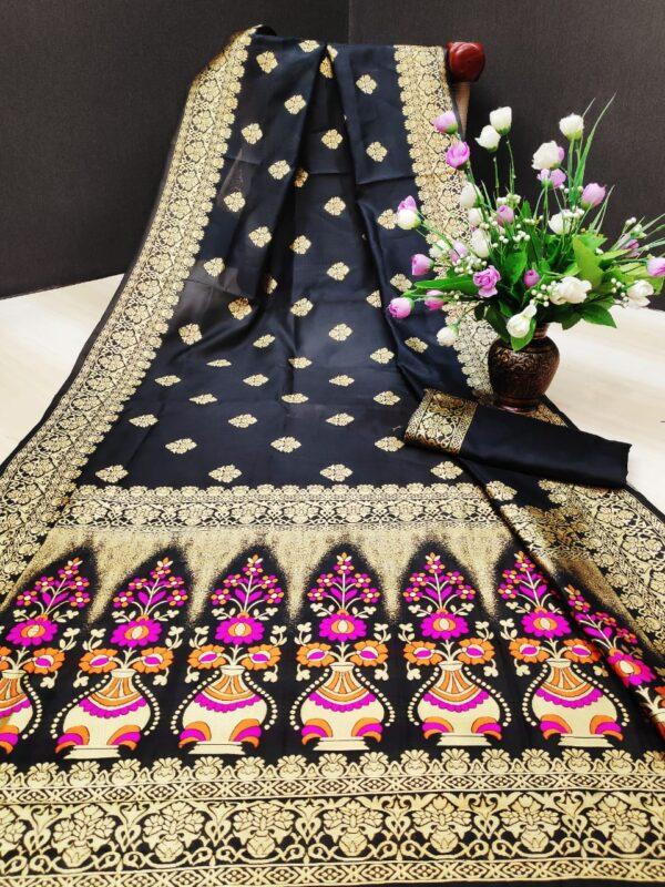 Staggering Black Colored Silk With Rich Pallu Designer Saree Online