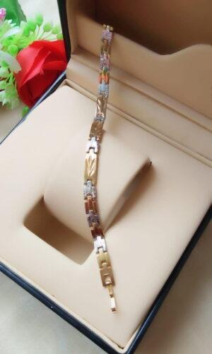 Gorgeous Golden & Silver Imitation Bracelet