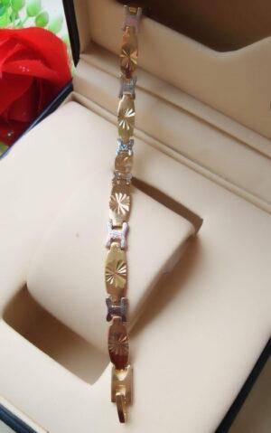 Smashing Golden & Silver Colored Imitation Bracelet