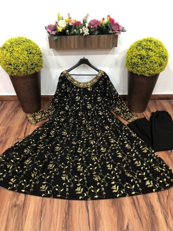 Gorgeous Black Color Designer Embroidered Georgette Ready Made Kurti Pent