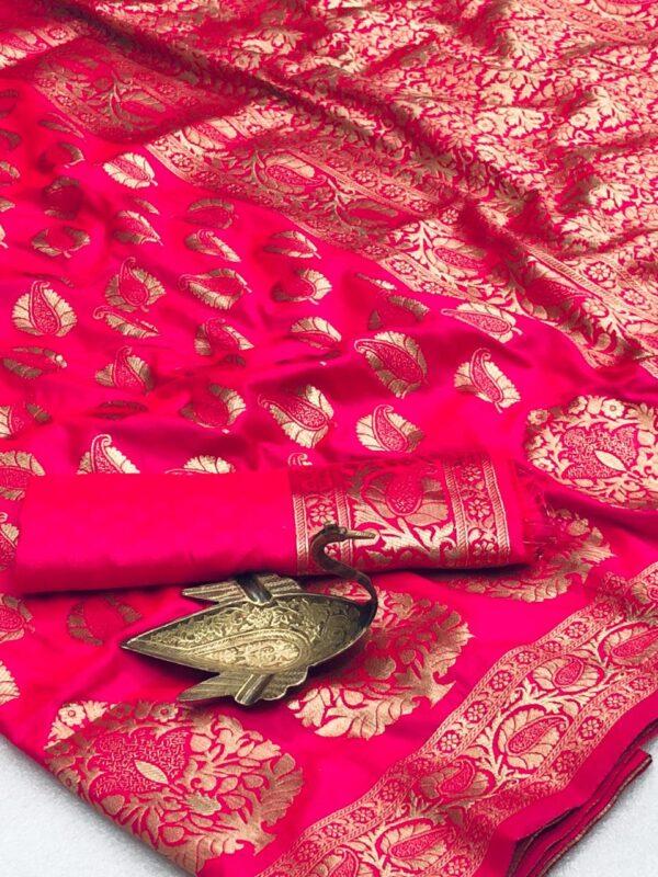 Exquisite Magenta Color Designer Two Tone Silk All Over Zari Weaving Grand Pallu Saree Blouse